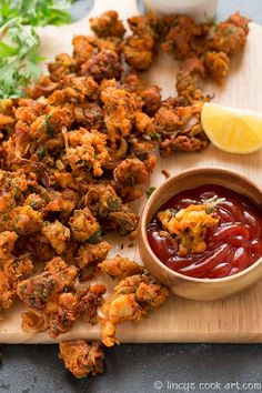 Chicken Pakora Recipe, Chicken Recipes, Indian Snacks, Indian Food Recipes, Ethnic Recipes, Tea Snacks, Yummy Snacks, Pakora Recipes, Food Photography Tips