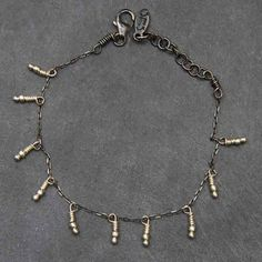 Bracelet Namibie chaîne argent oxydé, perle argent vif par soandso.