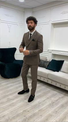 Business Casual Suit, Slim Fit Suits, Formal Suits, Suit Vest, Dapper Men, Black Suits, Double Breasted Suit, Mens Clothing Styles, Wedding Suits