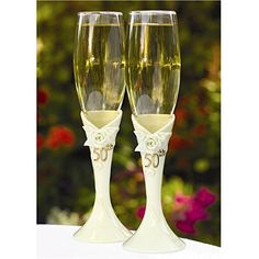 Pearl Rose Anniversary Champagne Flutes (Hortense B Hewitt from Wedding Favors Unlimited. Wedding Toasting Glasses, Wedding Champagne Flutes, Toasting Flutes, Champagne Glasses, 25th Wedding Anniversary, Anniversary Gifts, Wedding Favors Unlimited, Pearl Rose