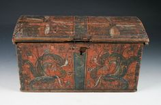L: 41 cm. Antique Trunks, Trunks And Chests, Painted Boxes, Decorative Boxes, Bridal, Antiques, Painting, Design, Home Decor