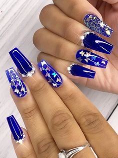 Amazing royal blue coffin shaped nails with glitter & rhinestones! Blue Gel Nails, Blue Coffin Nails, Bling Acrylic Nails, Acrylic Nails Coffin Short, Coffin Shape Nails, Best Acrylic Nails, Blue Nails With Glitter, Cobalt Blue Nails, Rhinestone Nails