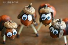 Idea for nature crafts for kids - making dogs using acorns - - so sweet! Autumn Crafts, Fall Crafts For Kids, Nature Crafts, Diy For Kids, Kids Crafts, Christmas Crafts, Diy And Crafts, Craft Projects, Arts And Crafts