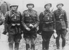 Romanian soldiers receiving the Iron Cross. Pin by stinky old poop stain Eastern Front Ww2, Ww2 Pictures, Political System, The Third Reich, Red Army, German Army, Military History, Armed Forces, World War Ii