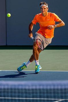 Roger Federer by Victor Huber Tennis Rules, Tennis Gear, Tennis Tips, Le Tennis, Tennis Clothes, Roger Federer, Us Open, How To Play Tennis, Tennis Legends