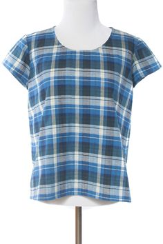 Scout Tee by Grainline Studio | Indiesew.com woven tee, but full in front...?