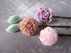 Flower hair pins and earring set  Gift set ot by PaigeandPenelope So pretty!