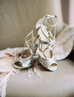 Jimmy Choo | Jacque Lynn Photography #zapatos #weddingshoes