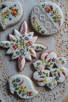 Lace cookies ... Why am I reminded of Heidi?  Incredible work!