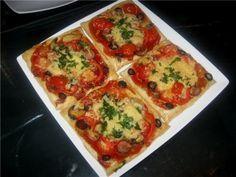 Мини-пиццы из слоёного теста - просто и вкусно!