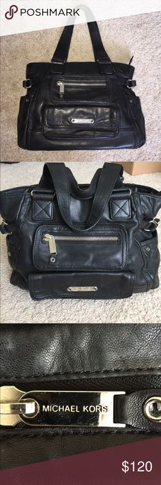 ❤️Michael Kors hobobag, super soft black leather❤️ Super soft leather, great condition, gently used. Fabulous Michaels Kors Hobo slouch bag. KORS Michael Kors Bags Hobos