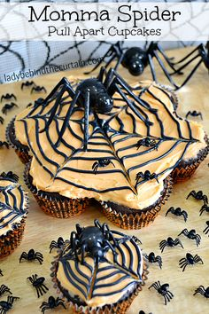 Add some fun to your kid's Halloween party with these Momma Spider Pull Apart Cupcakes.