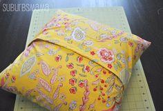Easy Envelope Pillows (tutorial) #DIY #Crafts