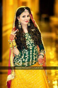 Pakistani Wedding Outfits, Bridal Wedding Dresses, Pakistani Dresses, Mehndi Outfit, Mehndi Dress, Pakistan Bride, Shadi Dresses, Muslim Women Fashion, Frock Fashion