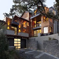 Hillside House designed by SB Architects and located in Mill Valley California  Would you like to live here? Tag someone who would love it!  By Unknown  Follow @luxuryig - - - - - - - - - - - - -  #luxury #rich #money #motivation #sexy #billionaire #luxurylife #luxurylifestyle #luxurycars #followme #success #amazing #hot #millionaire #beautiful #me #picoftheday #cars #highlife #goodlife #luxurylife