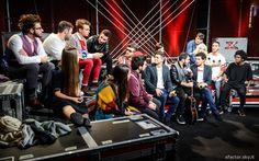 I #Twix #Reporters Leonardo e Federico nel #backstage con i ragazzi di X Factor. #Outfit #ATPCO.  #XF8 #XFactor