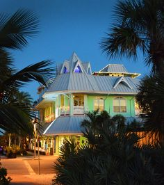 Gulf Coast Florida's Favorite Walkable Vacation Town: Pass-a-Grille - Beaches Bars and Bungalows Florida Gulf Beaches, Florida Vacation, Florida Travel, Pass A Grille Beach, Treasure Island Florida, Best Rooftop Bars, Petersburg Florida, Florida Girl, Clearwater Beach