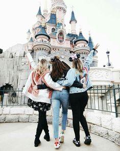 best friends, bff, and disneyland image Disneyland Paris, Disneyland Photos, Best Friend Pictures, Bff Pictures, Friend Photos, Disney Dream, Disney Style, Disney Love, Disney Best Friends