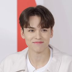 Vernon, Seventeen, Netflix, Korea, Kpop, Humor, Boys, Twitter, Love Of My Life