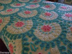 Gorgeous Chenille Bedspread Full Size Looks Like a Birthday Cake Vintage? Vintage Bedspread, Chenille Bedspread, Hand Embroidery Designs, House Made, Bed Spreads, Queen Size, Icon Design, Doilies, Fancy