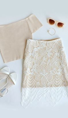 The Fashionably Late Beige and Ivory Lace Skirt is here to dress up your wardrobe! This ivory eyelash lace skirt is back by a beige, mini-length lining. Fashion Mode, Look Fashion, Womens Fashion, Teen Fashion, Mode Outfits, Fashion Outfits, Hipster Outfits, Skirt Outfits, Dress Fashion
