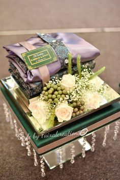 Hantaran fresh flower forest theme Indian Wedding Gifts, Creative Wedding Gifts, Marriage Decoration, Wedding Stage Decorations, Wedding Gift Inspiration, Wedding Hamper, Bride And Groom Glasses, Marriage Gifts, Wedding Gift Wrapping