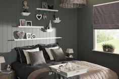 Leuke plankjes en leuke verdeling voor boven het bed