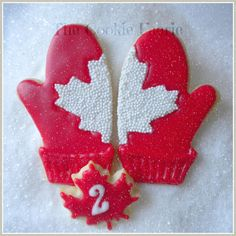 """""""On the 2nd Day of Christmas my friends I give to thee: Two Red Mittens..."""" Glazed Sugar Cookies by Robin Traversy {The Cookie Faerie}. Cookie Connection Christmas Countdown Challenge."""