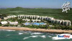 Las 378 suites de Pueblo Bonito Emerald Bay Resort and Spa, todas con vista al mar, están alojadas en atractivas villas rodeadas de exuberantes jardines con flores multicolores, senderos sinuosos que llegan al mar y estanques rocosos con flamencos y cisnes. Ubicado en el área de Nuevo Mazatlán, cuenta con fácil acceso a la Zona Dorada y a varios campos de golf de Mazatlán. #OjalaEstuvierasAqui