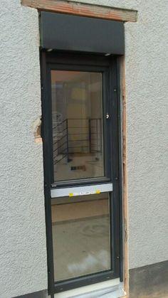 Neubau-Aufsetz-Raffstoren in Erlangen montiert - http://www.mp-bauelemente.de/neubau-aufsetz-raffstoren-in-erlangen-montiert.html