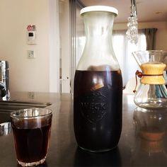 昨日仕込んでおいた水出しアイスコーヒー コーヒーの粉をお茶パックに詰めて水に入れておくだけ アイスコーヒーが飲みたいとき冷蔵庫を開けてすぐ飲めるのは嬉しい #アイスコーヒー#水出しコーヒー#ウェック#ジュースジャー#デュラレックス#ケメックス #icedcoffee#coldbrewcoffee#weck#juicejar#duralex#chemex http://ift.tt/1U25kLY
