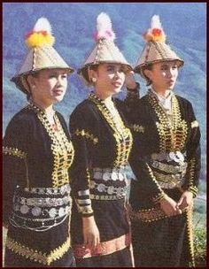 philippines culture | THREE KADAZAN-DUSUN LADIES IN TRADITIONAL DRESS. Philippines Outfit, Philippines Culture, Philippine Fashion, Sinulog, Tribal Costume, Filipino Culture, Coloured People, Culture Clothing, Filipiniana