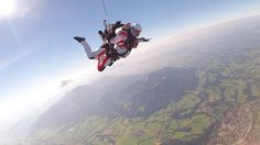 Have fun with Humanflights und Tandemmichl. Tandem Skydive