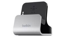 Base Dock Belkin en aluminio para utilizar con el iPhone 5