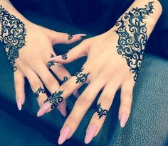 Eid Mehndi-Henna Designs for Girls.Beautiful Mehndi designs for Eid & festivals. Collection of creative & unique mehndi-henna designs for girls this Eid Mehndi Tattoo, Henna Mehndi, Mehendi, Henna Tatoos, Henna Tattoo Designs, Mandala Tattoo, Henna Nails, Mehndi Dress, Henna Designs Easy