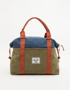 Fully lined, heavy cotton canvas weekend bag from Herschel Supply Co with padded top handles, and outside zip slip pocket. Canvas Weekender Bag, Canvas Backpack, Herschel Supply Co, Baggage, Cotton Canvas, Gym Bag, Satchel, Backpacks, Wallet