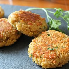 Rezepte Couscous patties with cheese by Easy Appetizer Recipes, Easy Healthy Recipes, Veggie Recipes, Healthy Snacks, Vegetarian Recipes, Snack Recipes, Dinner Recipes, Easy Meals, Dessert Recipes