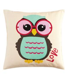 Cushion cover, owl Price: GBP H & M home - avail only in Europe :( Kids Decor, Baby Decor, Animal Cushions, Owl Pillows, Burlap Pillows, Decorative Pillows, Throw Pillows, Frederique, Cute Owl