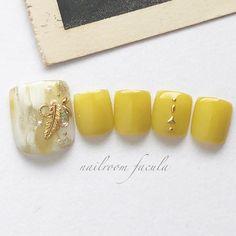 Chic Nail Designs, Pedicure Designs, Toe Nail Designs, Xmas Nail Art, Xmas Nails, Toe Nail Art, Japan Nail, Pretty Toe Nails, Chic Nails