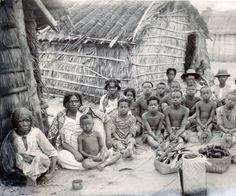 Sakalava family, Antséza, in Madagascar :: International Mission Photography Archive, ca.1860-ca.1960