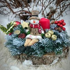 Новогодний подсвечник ручной работы из высококачественной литой хвои с фигуркой снеговика #candleholder #christmasdecor #новыйгод2017