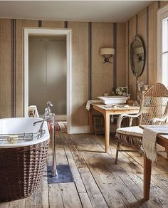 Instagram Vogue Living, Amber Interiors, Bathroom Trends, Bathroom Ideas, Wet Rooms, Architectural Digest, Tile Design, Wicker, Nickey Kehoe