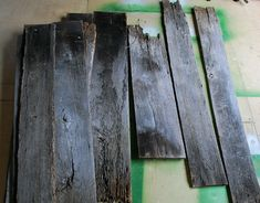 DIY: Barn Wood Headboard {Part one – the construction}
