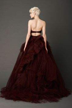 VW burgundy wedding gown.... thinking about black? this is even more original!