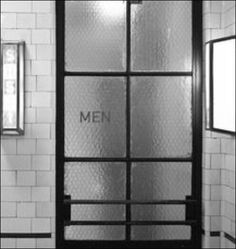Cool vintage door for bathrooms Restaurant Bad, Restaurant Bathroom, Restaurant Design, Industrial Restaurant, Toilette Design, House Minimalist, Cool Vintage, Retro Vintage, Liquor Bar
