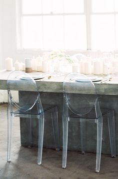 LOVE these clear chairs for a minimalist yet chic reception.