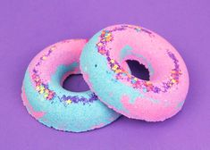 Unicorn Donuts Bath Bombs! A Parisian bakery filled with sweet notes of blackberry, lemon and buttery vanilla pastries and macarons! These are the yummy notes that make up Sugar Milk's delicious smelling Unicorn Donut Bath Bombs! ★This delectable yummy scent is also available in our Sprinkle Macarons Soap and Butter Fluff! Fill your tub with a relaxing experience with our Unicorn Donut Bath Bombs! Packed with ingredients to soothe and moisturize skin, and draw out those yucky toxins and b...