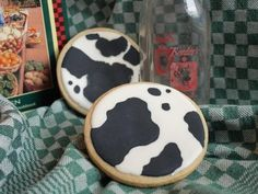 cow print cookies! great for a baby shower or cowboy themed birthday party