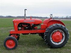 Chats Classic Allis Chalmers tractor restoration and sales. Restored Allis Chalmers and D series tractors. Antique Tractors, Vintage Tractors, Vintage Farm, Antique Cars, Yard Tractors, Tractors For Sale, Triumph Motorcycles, Agriculture Tractor, Farming