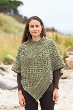 Gorgeous Look in Various Poncho Knitting Patterns Portree Poncho - Knitting Patterns and Crochet Patterns from Poncho Knitting Patterns, Knit Patterns, Free Knitting, Knit Crochet, Crochet Vests, Crochet Cape, Crochet Edgings, Crochet Shirt, Crochet Motif